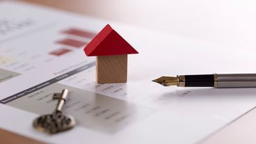 Where to Get a Mortgage: Bank, Broker, or Online?