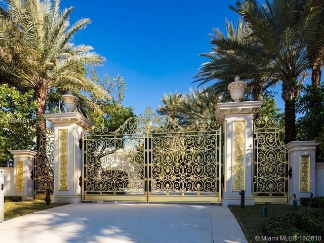 The gilded gates of Playa Vista Isle