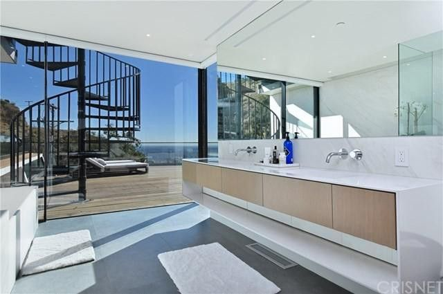 Main bathroom with views