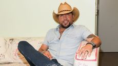 Country Star Jason Aldean Selling Huge Tennessee Hunting Lodge