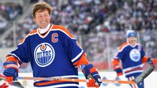 Wayne Gretzky Skates Into a Pair of Unbeatable Real Estate Deals