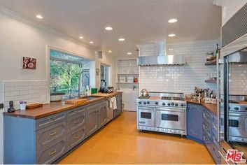 Jake Gyllenhaal Offers Gated Hollywood Hills Home