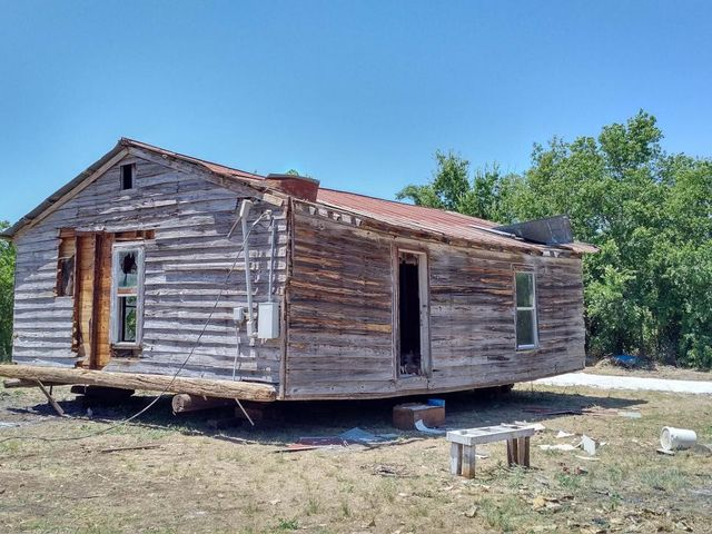 Who would believe that Chip and Joanna Gaines could turn this decrepit shack into a dream home?