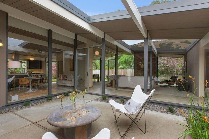 Atrium Eichler in San Rafael