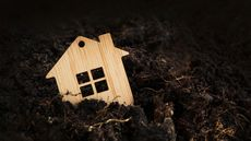 Should You Sell Your Home During a Recession? 5 Crucial Things To Consider