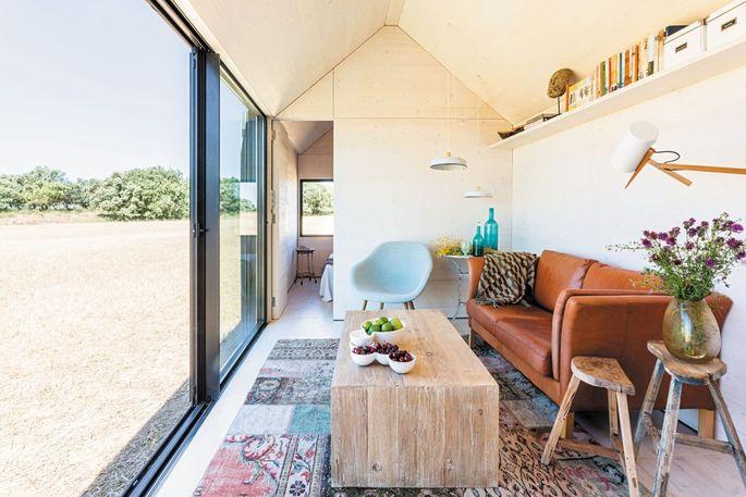 Portable Home ÁPH80, interior. From 150 Best Mini Interior Ideas by Francesc Zamora Mola. Architect Ábaton Arquitectura.