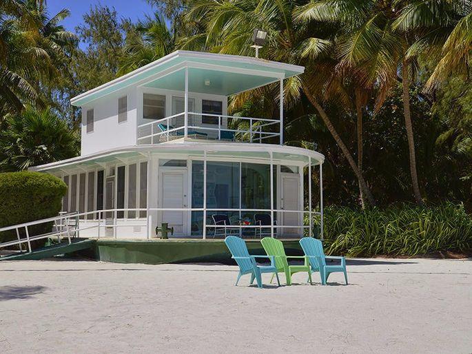 Marooned Houseboat In The Florida Keys For Sale For 5 9m Realtor Com