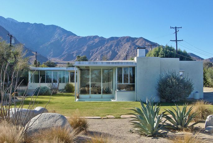 Miller House, Palm Springs, CA. Richard Neutra design from 1937.
