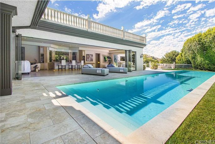 Dr. Dre's Woodland Hills, CA, home