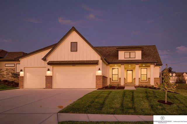 Omaha, NE exterior new home