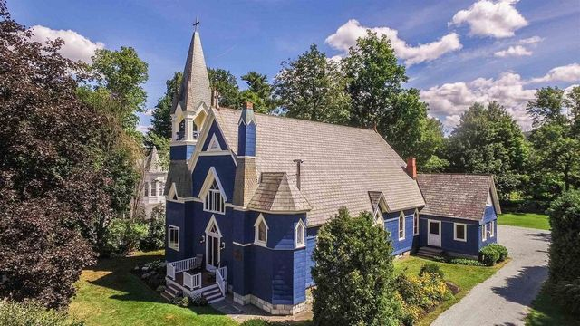 castleton, VT blue church house
