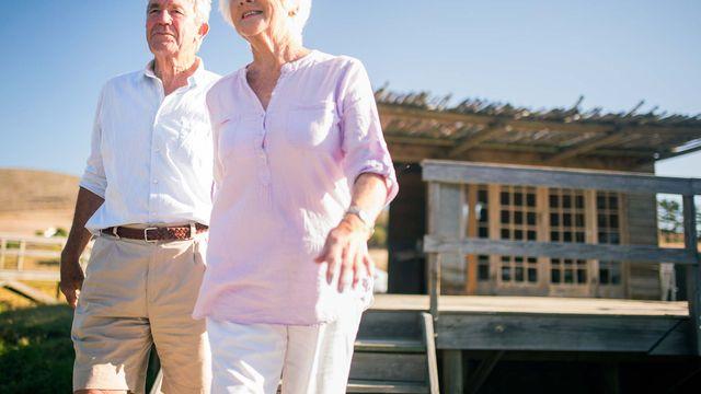 seniors-walking-from-house