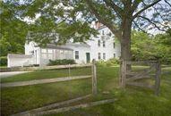 Renée Zellweger Lists Private Connecticut Getaway for $1.5 Million (PHOTOS)