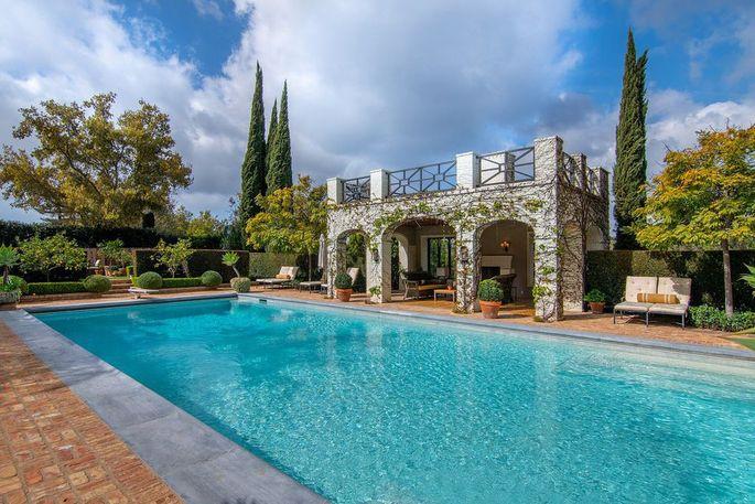 Pool and poolhouse