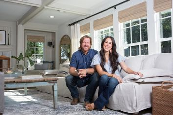 Watch Chip and Joanna Gaines Use Pickles to Fix a Home on 'Fixer Upper'