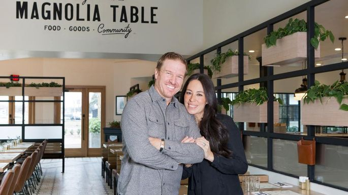Chip And Joanna Gaines Make Over Their Restaurant Realtorcom - Magnolia table restaurant