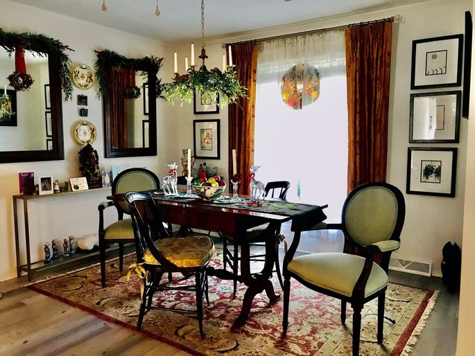 A formal dining room is a luxury that few New Yorkers can afford.
