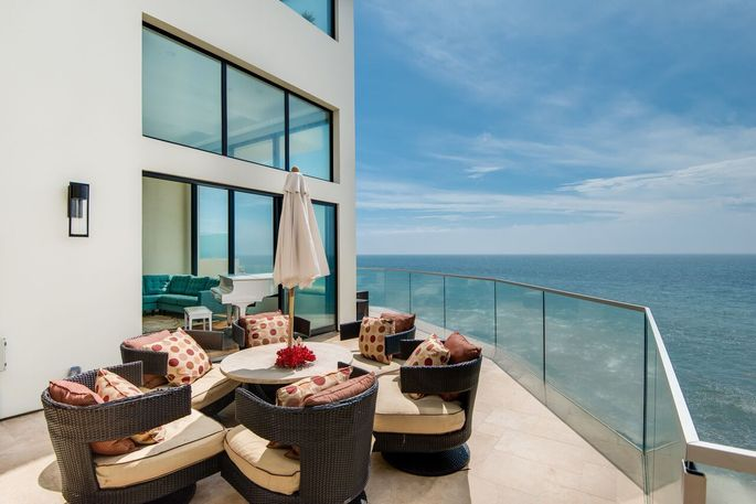 Barry Manilow's former beach house deck