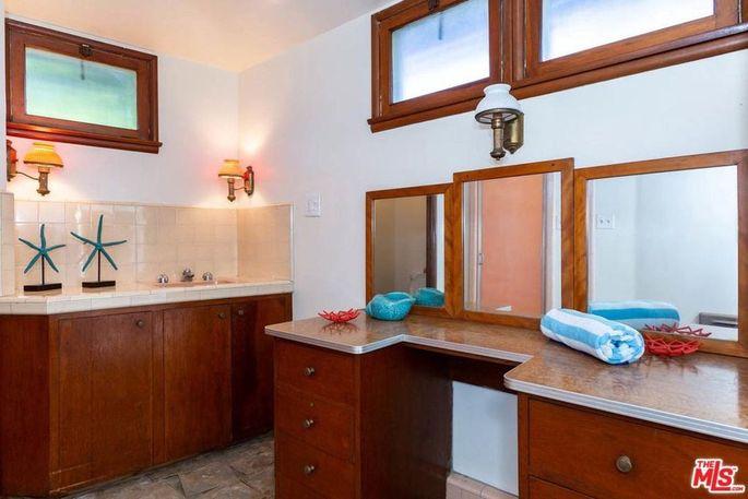 Cabana dressing room