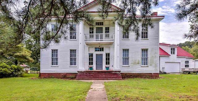 Somerville TN historic home exterior