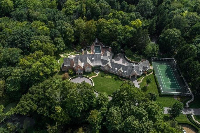 Indianapolis estate