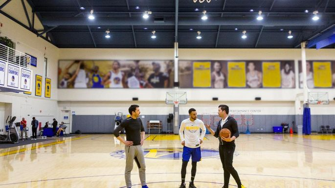 12adc8d01fe The Property Brothers Play Ball With Stephen Curry