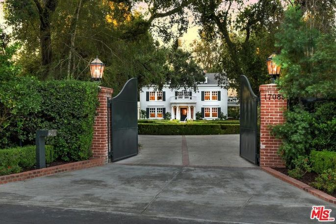 Bye Bye Beverly Hills Kyle Richards Buys 8 3m Encino
