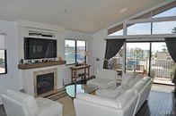 Carter Oosterhouse, Amy Smart Offer $1.5M Beach Home