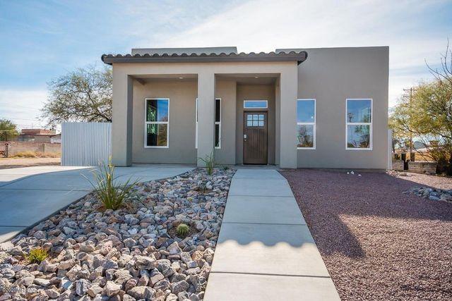 Tucson, AZ new house exterior