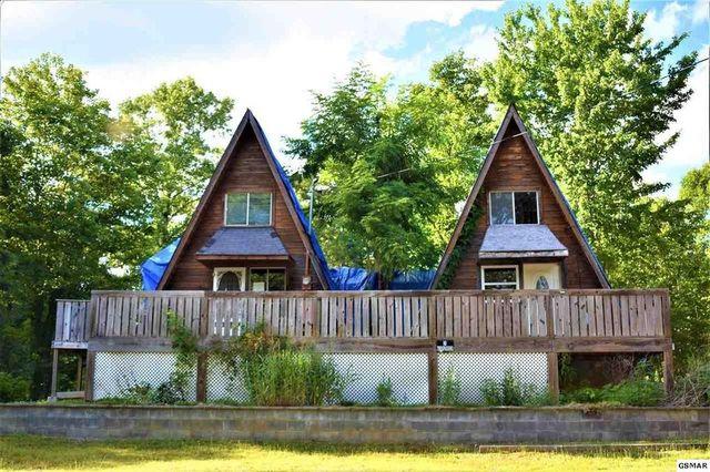 Sevierville TN twin peaks exterior