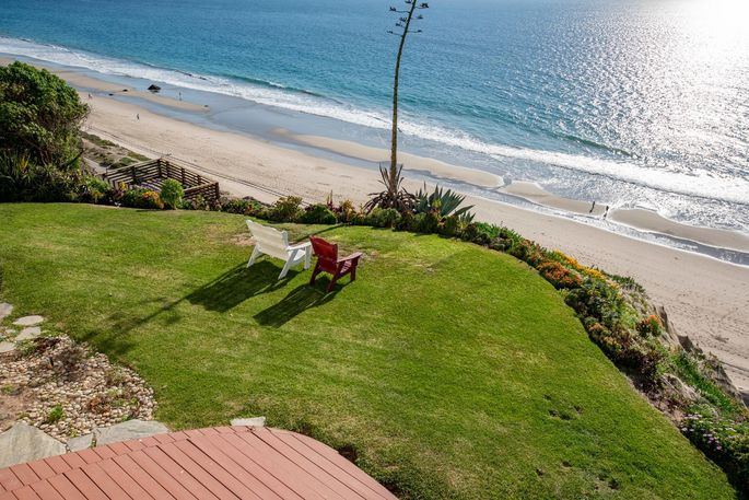 Lush lawn overlooking the beach