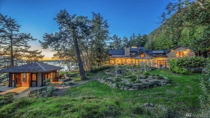 You've Got to See Oprah's New $8M Island Retreat in Washington to Believe It