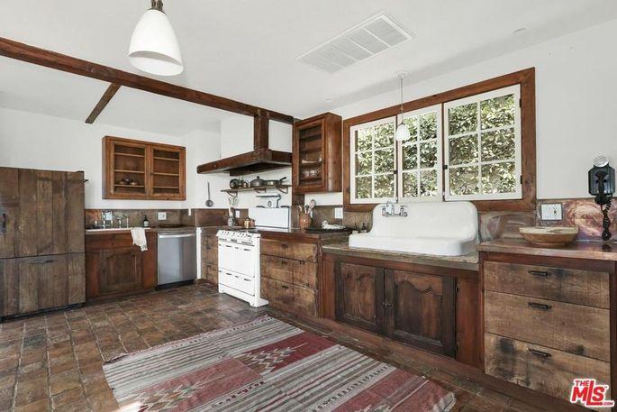 Farmhouse-style kitchen