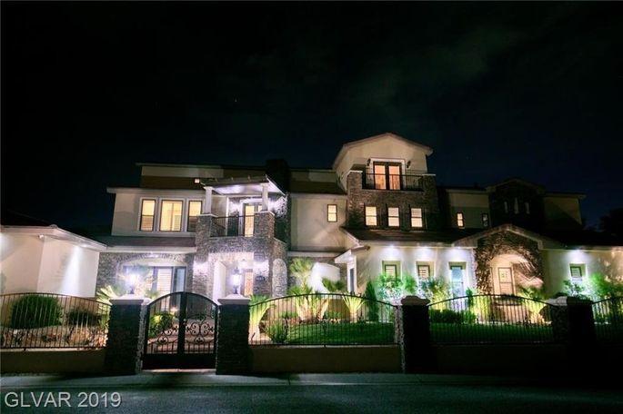 """""""Tanked"""" star Brett Raymer's Las Vegas home"""