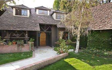 Actor Beau Bridges Re-Lists Hidden Hills Home for $2.85 million (PHOTOS)