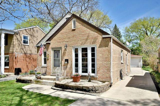 brick bungalow in Park Ridge, IL exterior