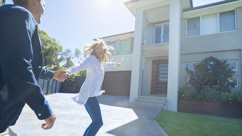 4 Crucial Questions To Ask Your Partner Before Buying a House Together