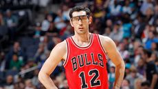 Ex-Bulls Guard Kirk Hinrich Passing His Illinois Home for $4.5M