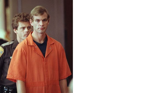 Jeffrey Dahmer enters the courtroom in August 1991.