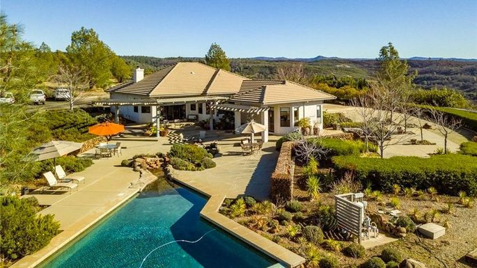Four bedrooms, two baths, and over 21 acres in Chico