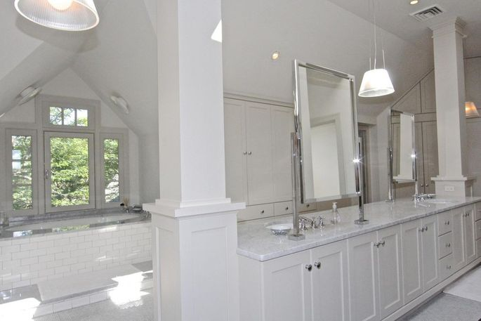 The master bathroom has plenty of space to overhaul it into a true oasis of relaxation.