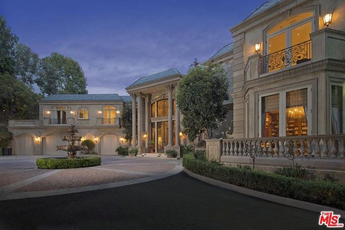 200m Spelling Manor Lands Atop This Week S Most Popular