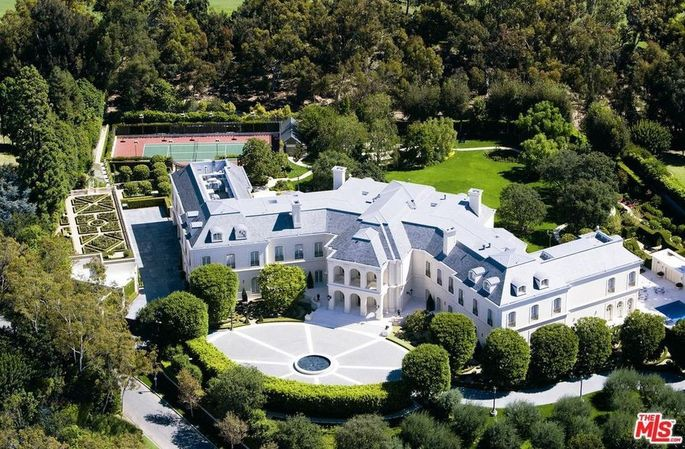 The Manor in Los Angles, CA