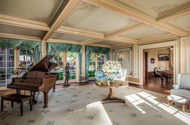 Crown Manor A Coronado Landmark With A Gossipy Past On
