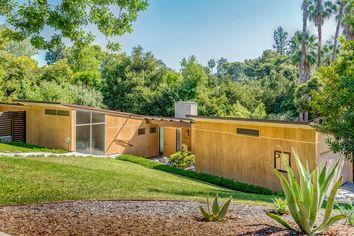 Case Study House in Pasadena Is Newly Restored and Back on the Market