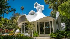 Sculpture House Shapes Up as One of the Most Distinctive Homes We've Seen