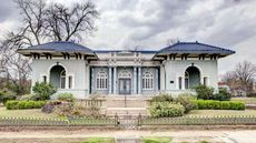 Grab a Historic Mississippi House for an Absolute Steal: $215,000 for Vicksburg's Feld House