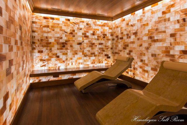 Himalayan salt therapy room