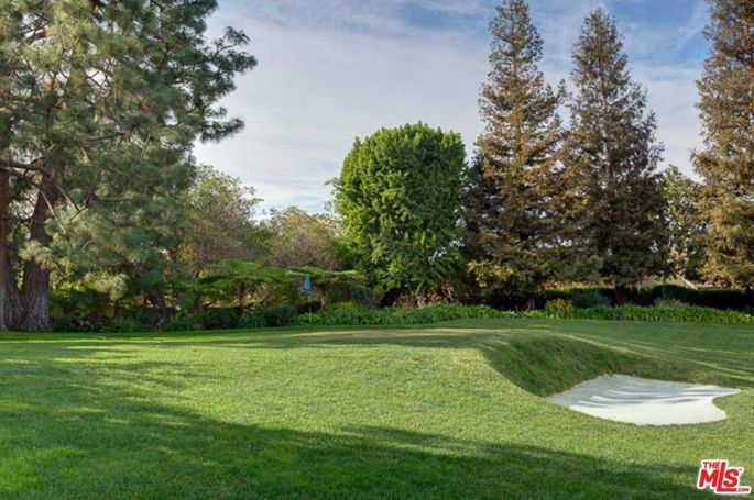 Three-hole golf course