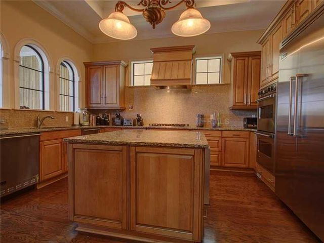 rob-gronkowski-sells-party-mansion-in-tampa-4